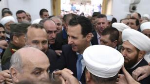 Le président syrien s'est rendu dimanche à Hama à l'occasion de l'Aïd el Fitr.