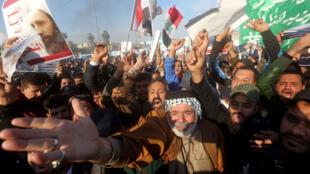 Des partisans du chef chiite irakien Moqtada al-Sadr manifestent à Bagdad le 4 janvier 2016.