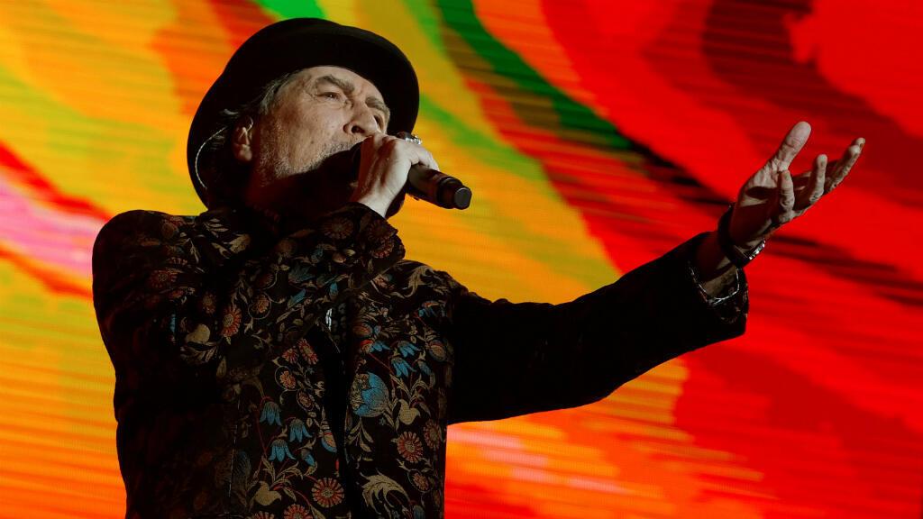 """el cantautor Joaquín Sabina el 10 de febrero en el WiZink Center de Madrid junto a Joan Manuel Serrat el primero de los conciertos programados dentro de """"No hay dos sin tres"""", el tercer """"tour"""" en el que comparten escenario."""