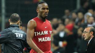 Didier Drogba rend hommage à Mandela