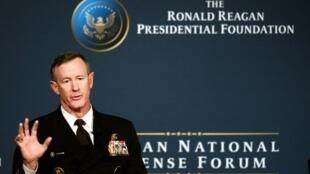 الأدميرال المتقاعد ويليام ماكرايفن قائد العملية التي قتل فيها أسامة بن لادن