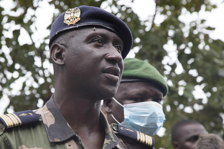 Le porte-parole de la junte militaire malienne Ismaël Waguë.