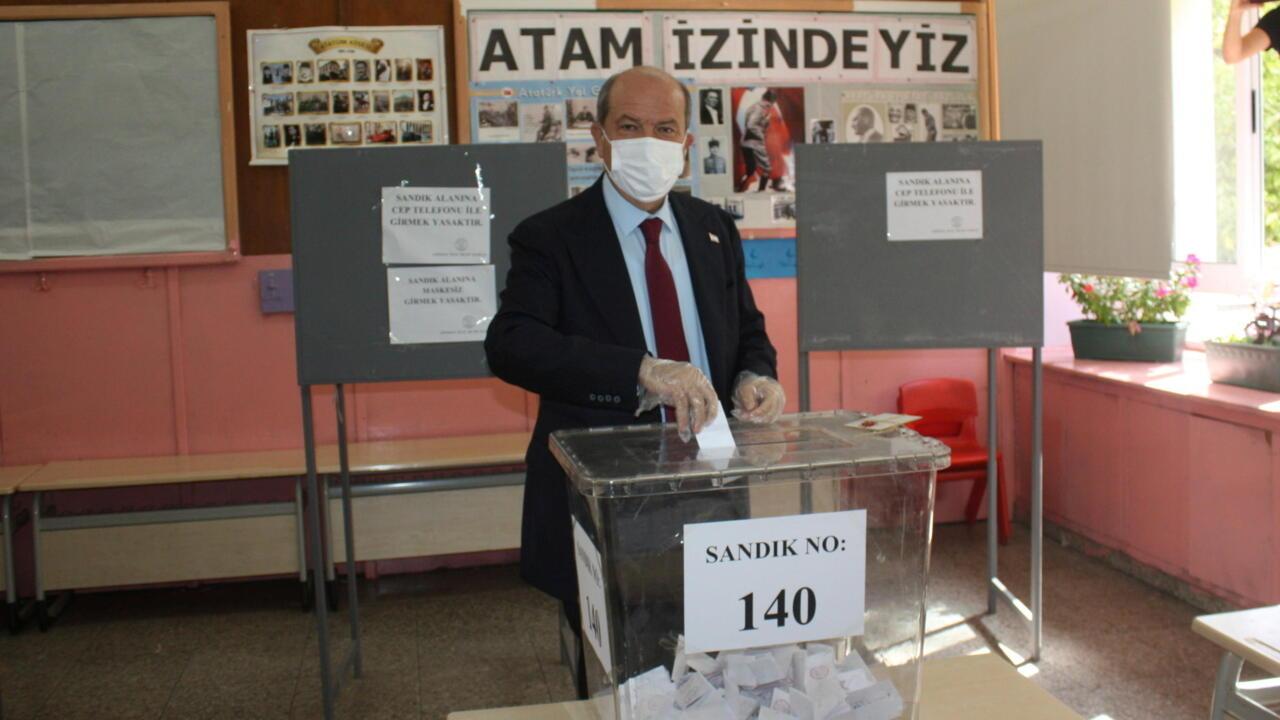 Turkey-backed hardliner beats left-wing incumbent in Turkish Cypriot runoff