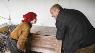 Kosovo Albanian Fadil Rama visits 92-year-old Vladica Dicic several times a week