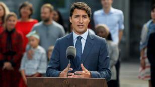 El primer ministro de Canadá, Justin Trudeau, habla durante una rueda de prensa en Rideau Hall, después de pedirle a la gobernadora general Julie Payette que disuelva el Parlamento y marque el inicio de una campaña electoral federal en Canadá. El anuncio lo hizo en Ottawa, Ontario, Canadá, el 11 de septiembre de 2019.