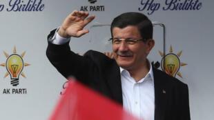Depuis 2014, des tensions sont apparues entre le président turc, Recep Tayyip Erdogan, et son Premier ministre, Ahmet Davutoglu.
