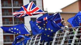 Les députés britanniques ont voté jeudi 14 mars sur un report de la sortie de l'Union européenne du Royaume-Uni.
