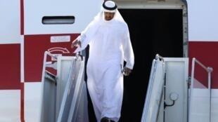 الشيخ محمد بن زايد في قاعدة اندروز الجوية في 2010