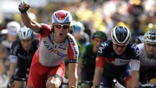 Le Norvégien Alexander Kristoff, dimanche, lors de l'arrivée au sprint à Nîmes