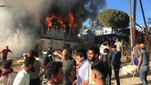 حريق في مخيم موريا بجزيرة ليسبوس باليونان. 29 سبتمبر/أيلول 2019.