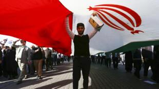 مظاهرات في إيران تأييدا للنظام في 3 كانون الثاني/يناير 2018.