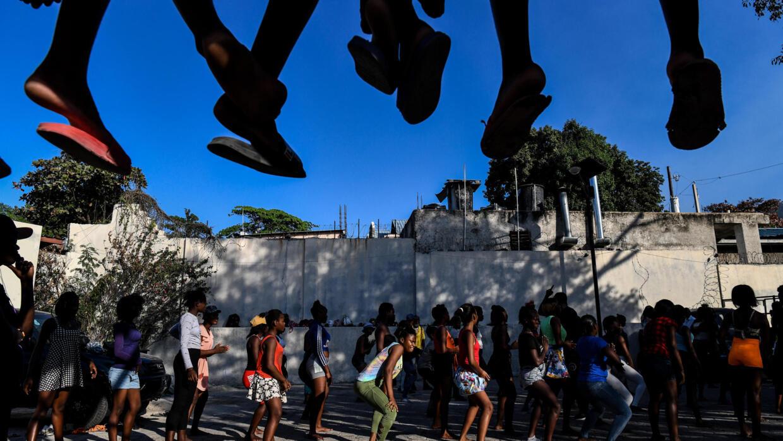 Carnival in violence-wracked Haiti: good business or bad taste? - France 24