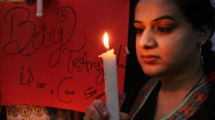 Une militante transgenre pakistanaise lors de la Journée du souvenir trans, en 2014.