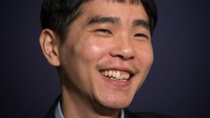 Le champion sud-coréen Lee Sedol après sa première victoire, le 13 mars 2016.