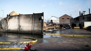 L'usine de Lubrizol endommagée à Rouen, dans le nord-ouest de la France, le 27 septembre 2019, à la suite d'un incendie.