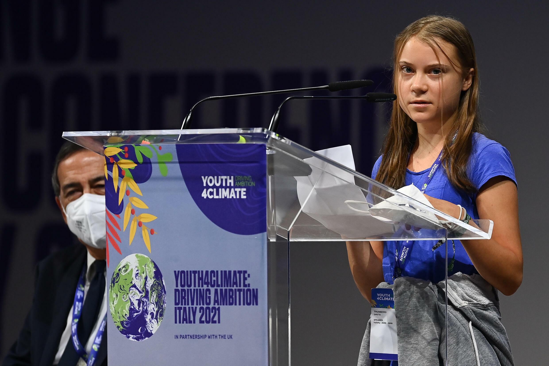 La activista sueca Greta Thunberg pronuncia un discurso en el foro Youth4Climate el 28 de septiembre de 2021 en Milán, Italia