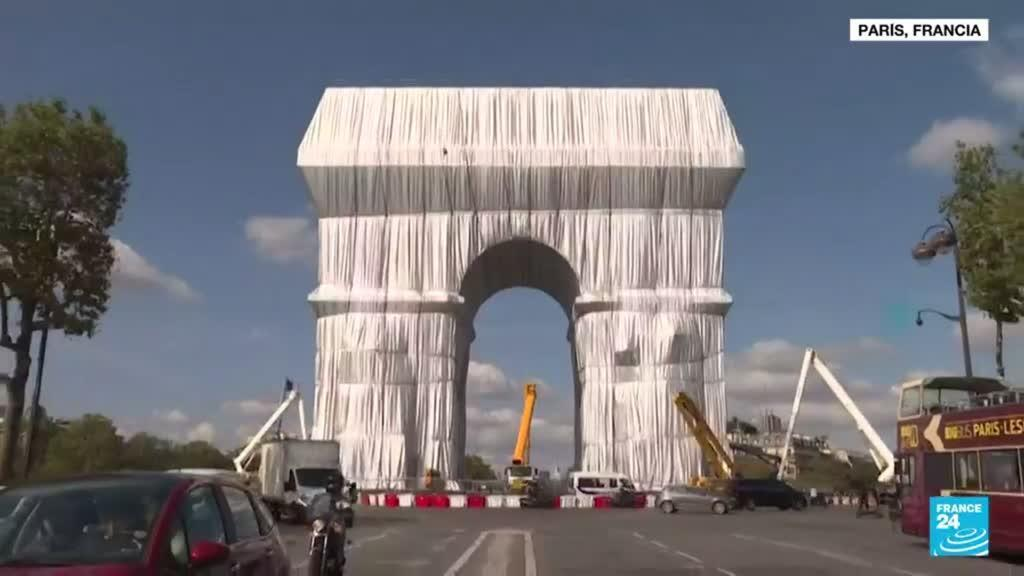 2021-09-17 01:08 Informe desde París: la visión del Arco del Triunfo del artista Christo se hizo realidad
