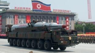 Un missile Taepodong lors de la parade militaire du 60e anniversaire de l'armistice de la guerre de Corée, le 27 juillet 2013.