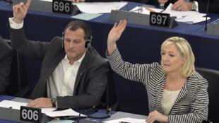 Marine Le Pen, présidente du Front national, lors d'une session au Parlement européen lundi 10 mars.