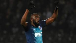 L'attaquant malien Moussa Marega réagit après avoir été la cible de chants racistes lors du match de football de la ligue portugaise Vitoria Guimaraes SC - FC Porto, le 16 février 2020.