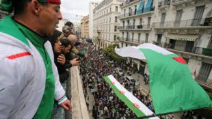 المظاهرات ضد الرئيس الجديد في العاصمة الجزائرية. 20/12/2019