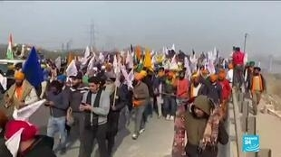 2021-01-26 14:05 Clashes break in India as farmers disrupt Republic Day celebrations with protest over farming reform
