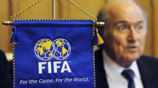 Qui prendra le fauteuil de Sepp Blatter à la tête de la Fifa ?