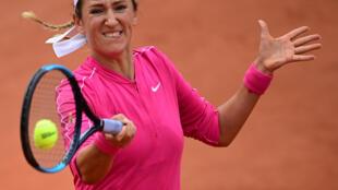 La Bélarusse Victoria Azarenka face a la Slovaque Anna-Karolina Schmiedlova au 2e tour de Roland-Garros, le 30 septembre 2020