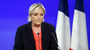 Marine Le Pen, dimanche soir, à 20 heures.