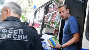 Alexeï Navalny, photographié à son arrivée devant le tribunal, le 27 août 2018 à Moscou.