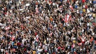 احتجاجات منددة بالفساد وتدهور الوضع الاقتصادي. بيروت، لبنان 18 أكتوبر/تشرين الأول 2019.
