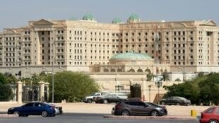 صورة لفندق ريتز كارلتون في الرياض حيث يعتقد أنه تم إيداع الموقوفين في إطار حملة مكافحة الفساد