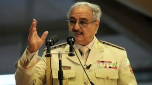 """المشير خليفة حفتر قائد """"الجيش الوطني الليبي"""". 7 ماي/أيار 2018 في بنغازي."""
