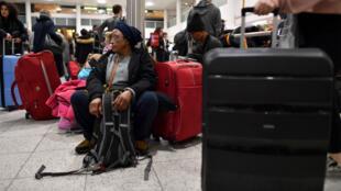 """Malgré une brève fermeture """"par précaution"""", l'aéroport de Gatwick a annoncé sa réouverture, le 21 décembre 2018."""