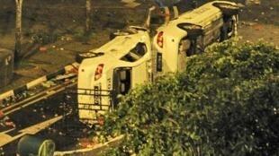 Le bus impliqué dans l'accident a été immédiatement attaqué
