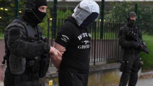Abdoul Hakim A., proche de l'auteur de l'attaque au couteau du 12 mai, à Paris, a été interpellé à Strasbourg.
