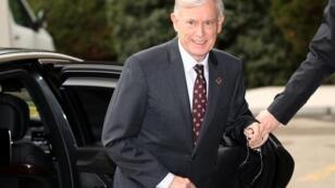 المبعوث الأممي للصحراء الغربية هورست كوهلر خلال وصوله إلى مقر المحادثات بجنيف 5 ديسمبر