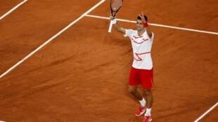 Novak Djokovic vainqueur du Suédois Mikael Ymer à Roland-Garros, le 29 septembre 2020