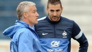 كريمة بنزيمة رفقة ديشان خلال حصة تدريبية للمنتخب الفرنسي