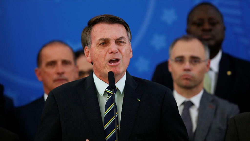 El presidente de Brasil, Jair Bolsonaro, reacciona a la renuncia de Sérgio Moro a la cartera de Justicia durante una conferencia de prensa en el Palacio de Planalto en Brasilia, Brasil, el 24 de abril de 2020.