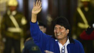Le candidat victorieux à l'élection présidentielle bolivienne Evo Morales.