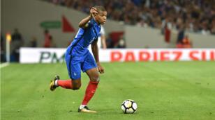 Malgré la titularisation de sa jeune pépite Kylian Mbappé, les Français ont fait match nul face au Luxembourg le 3 septembre.