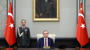 Le chef d'État Recep Tayyip Erdogan présidant le Conseil national de sécurité, à Ankara le 29 juin 2015.