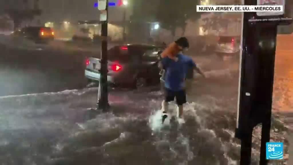 2021-09-02 13:34 Carreteras bloqueadas y múltiples inundaciones en Nueva York tras el paso de Ida
