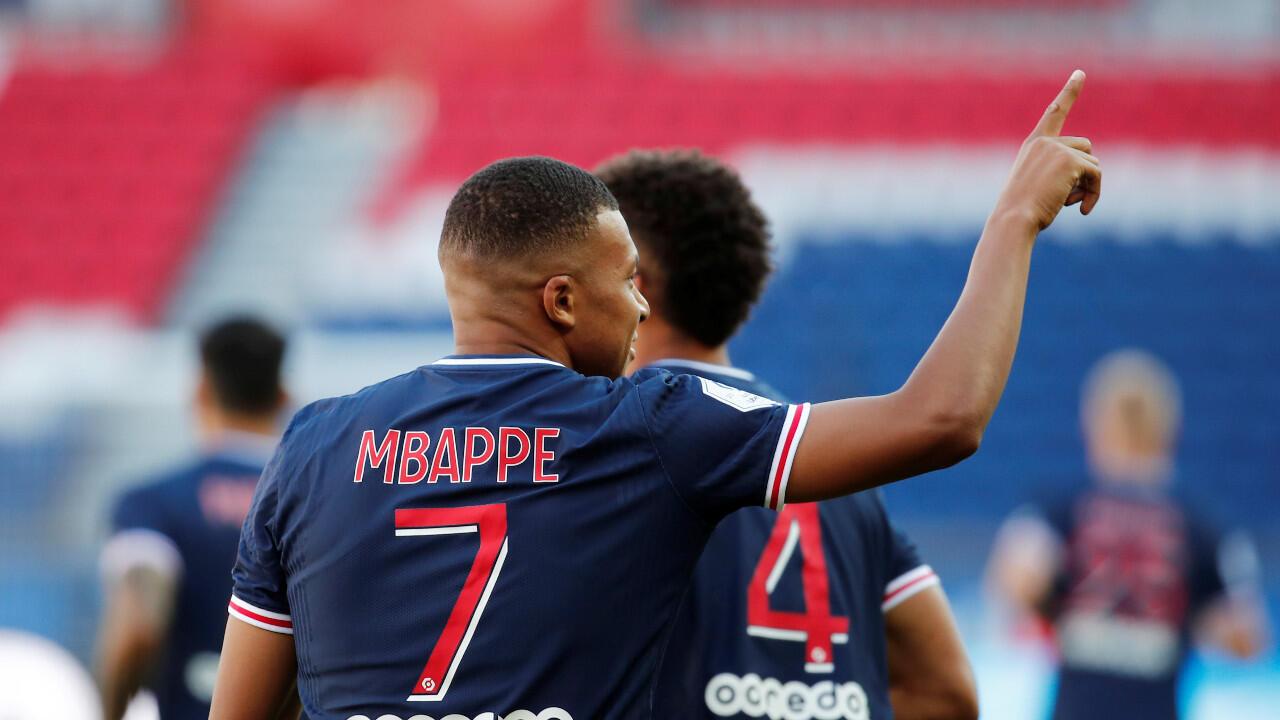 """Kylian Mbappé a confirmé qu'il évoluerait """"quoi qu'il arrive"""" au Paris SG la saison prochaine."""