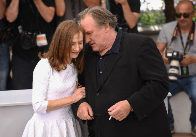 """Séance """"photo-call"""" pour Isabelle Huppert et Gérard Depardieu, à l'affiche de """"Valley of Love""""."""