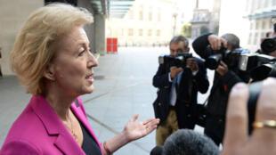 أندريا ليدسوم إحدى المرشحتين لخلافة رئيس الوزراء البريطاني ديفيد كاميرون