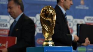 Le légendaire trophée de la Coupe du monde de football.