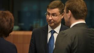 "European Commission vice-president Valdis Dombrovskis said the 1 billion euro ($1.17 billion) loan to Ukraine ""will address economic vulnerabilities and support economic stabilisation"""