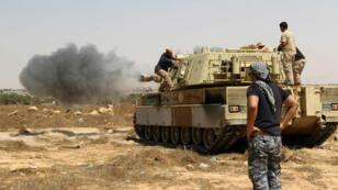 Des forces fidèles au gouvernement libyen approchent de Syrte, le 10 juin 2016.
